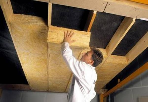 Как утеплить потолок в бане минватой своими руками
