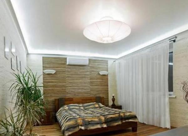 Спальня с низким потолком - как выбрать люстру?
